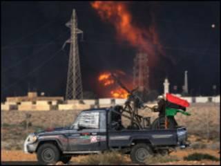 Bomb ay ku rideen diyaaradaha dagaalka libya magaalooyinka ay mucaaradka haystaan
