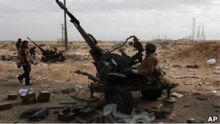 قوات معارضة للقذافي
