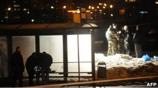 Оперативники на остановке на Мичуринском проспекте