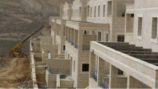 عمليات بناء في مستوطنة جيعفات زئيف بالضفة