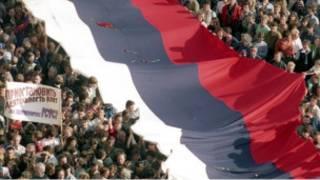 Российский флаг в Москве 22 августа 1991 года