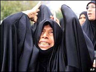 Manifestantes xiitas no domingo 13 de março no Bahrein/AP