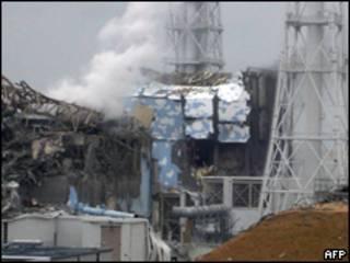 福島第一核電站三號和四號機組受損嚴重(16/03/2011)