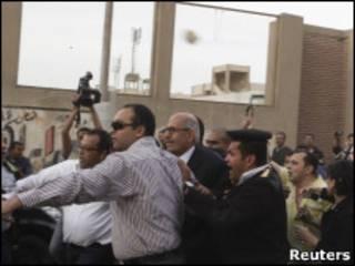 Mohamend ElBaradei é impedido de votar no Cairo