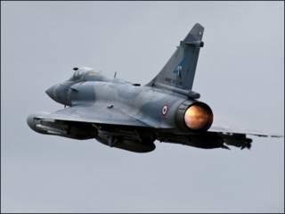 फ़्रांस के मिराज 2000 लड़ाकू विमान
