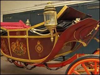 A carruagem a ser usada na cerimônia (Foto: BBC)