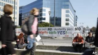 احتجاج خارج مقر الاتحاد الأوروبي في بروكسيل