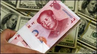 Yuanes, dólares
