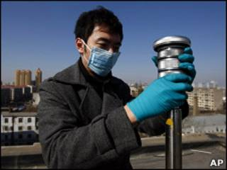 中國當局在哈爾濱檢測空氣中的放射性物質