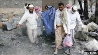 Место взрыва в Йемене
