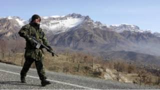 جندي تركي قرب الحدود مع العراق