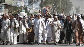 Марш протеста против сожжения Корана в Кандагаре