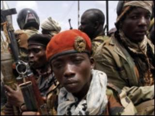 Soldados leais a Alassane Ouattara
