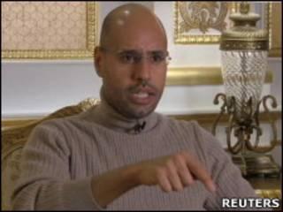 Saif al-Islam em entrevista (Reuters)