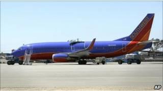 بوئینگ 737 خطوط هوایی سات وست