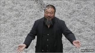 الفنان الصيني آي وايواي