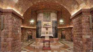 مقبره قدیس فرانسیس آسیزی