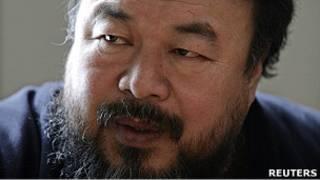 آی وی وی، هنرمند و فعال مشهور چینی نیز اوائل ماه جاری میلادی بازداشت شد و خبرهای زیادی از او در دست نیست