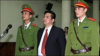 Ông Cù Huy Hà Vũ tại tòa sơ thẩm