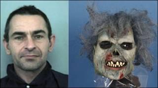 O assassino, Michael Kelly, e a máscara usada por ele no crime (Foto: Polícia de Thames Valley)