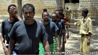 Abasuma bo mu mazi bapfungiwe muri Somalia