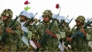 عکسی از مانور ارتش از صفحه اول مردم سالاری