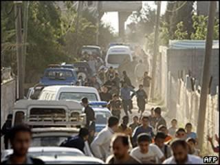 Polícia do Hamas fez cerco a casa onde suspeitos estavam (AFP)