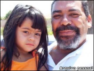 Odesson Alves Ferreira com a neta Joice; Foto: Arquivo Pessoal / Odesson Alves Ferreira