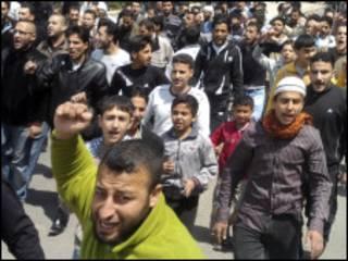 Masu zanga zangar nuna kin jinin gwamnatin Syria