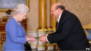 Посол Сирии Сами Хиями вручает верительные грамоты королеве (3 марта 2005 года)