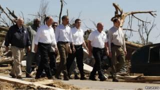 Tổng thống Obama thăm hiện trường bão lốc