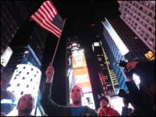 Nova-iorquinos reagem à notícia da morte de Osama Bin Laden (Getty Images)