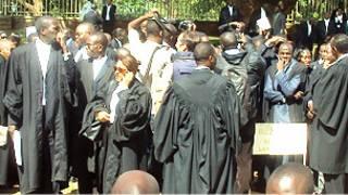 Abashingwamanza mu myiyerekano muri Uganda