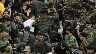 درگیری در ورزشگاه آزادی تهران