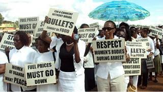 Abagore mu myigaragambyo muri Uganda