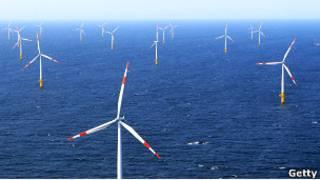 Ветряные турбины у побережья Германии