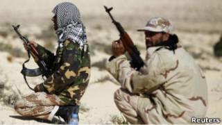 مقاتلين من المعارضة الليبية