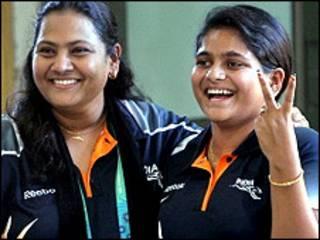 अनीसा सैयद (बाँए) के साथ राही सरनोबत ने राष्ट्रमंडल खेलों में स्वर्ण जीता था