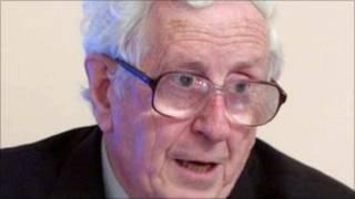 Cựu Thủ tướng Ireland, Garret FitzGerald