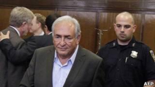 Доминик Стросс-Кан после заседения суда