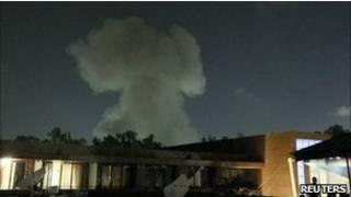 أعمدة الدخان تتصاعد في سماء طرابلس