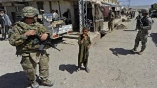 سربازان نیروهای بین المللی یاری امنیتی
