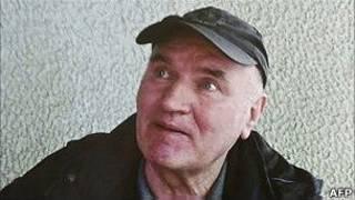 塞爾維亞日報《政治家》2011年5月27日曝光的姆拉迪奇被捕後照片