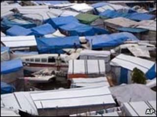 Tendas em Porto Príncipe/AP