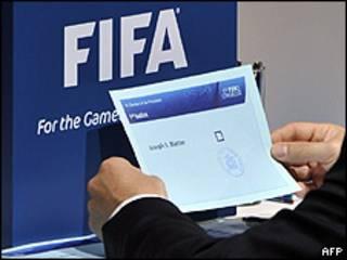 Voto com nome de Sepp Blatter na votação da Fifa nesta quarta-feira (AFP/Getty)