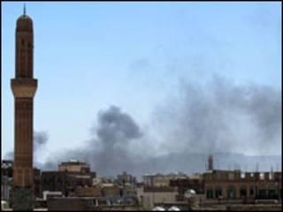 यमन में सरकारी बलों और विद्रोहियों में लड़ाई