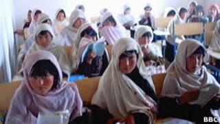 دختران دانش آموز، عکس آرشیوی