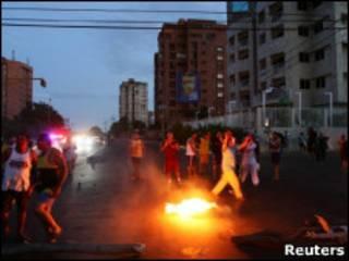 Protesto contra blecaute em Maracaibo no último domingo (Reuters)