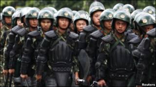 Nhân viên an ninh ở Tăng Thành hồi cuối tuần