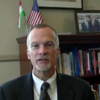 Посол США в Душанбе Кен Гросс